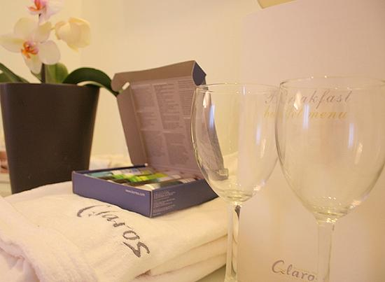 Boutique Hotel Glaros: bathrobes