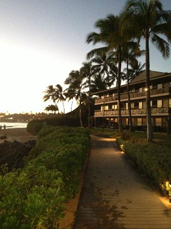 Koa Kea Hotel & Resort: View from the path to the beach
