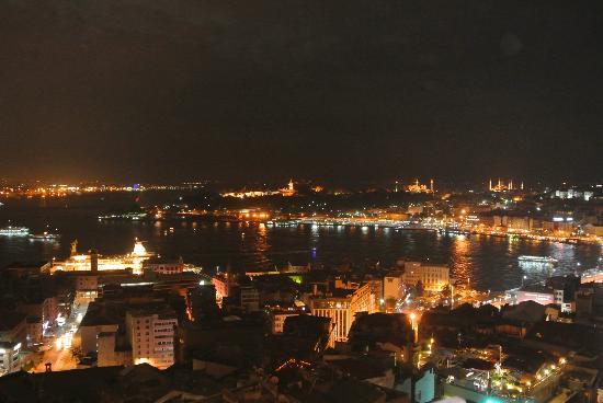 Galata Tower: Vista del Mar Marmara