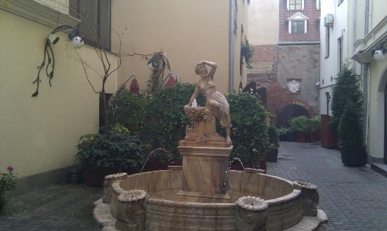 Hotel Garden Palace: Вход в отель
