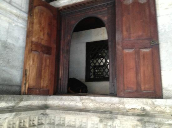 Hukuru Miskiiy (Old Friday Mosque): One of the doors