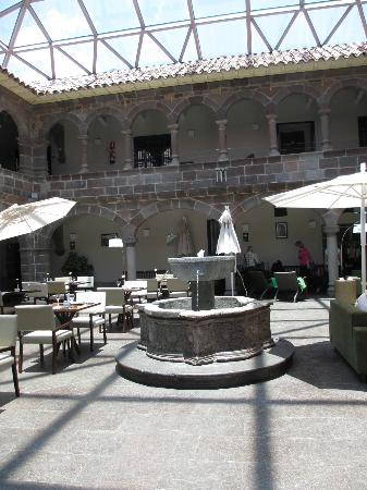 Novotel Cusco: courtyard