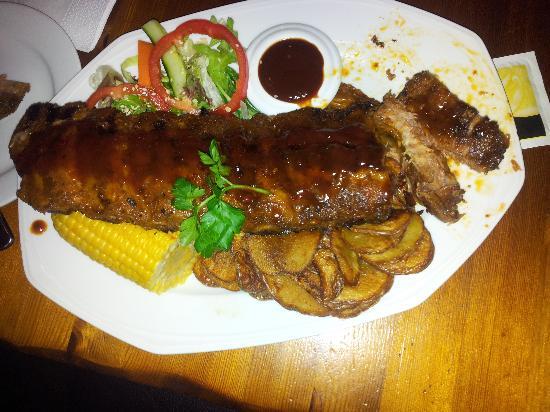 Big Horn Steak House: husets spearribs, 400 gr. NAM