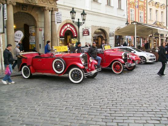 Hotel U Tri Bubnu: tour cars