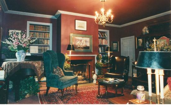 Inn by the Bandstand: Living Room