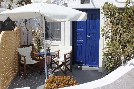 Thea  Studios-Rooms: balcony terrace
