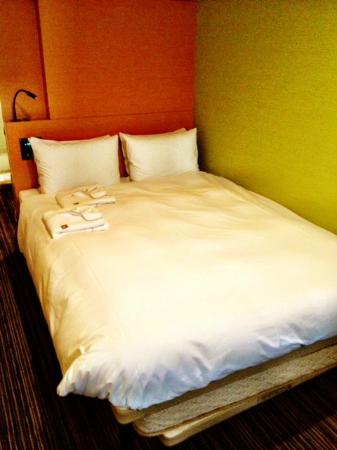 The B Ikebukuro: Comfortable bed.