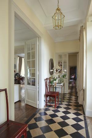 Le Manoir : Main Corridor