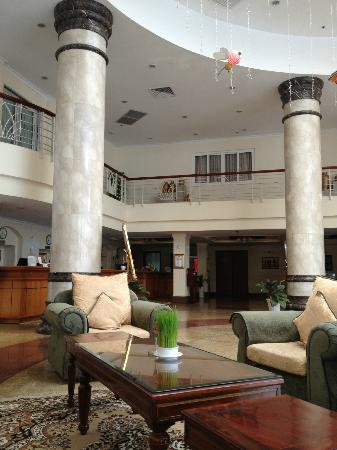 First Hotel: Reception lobby