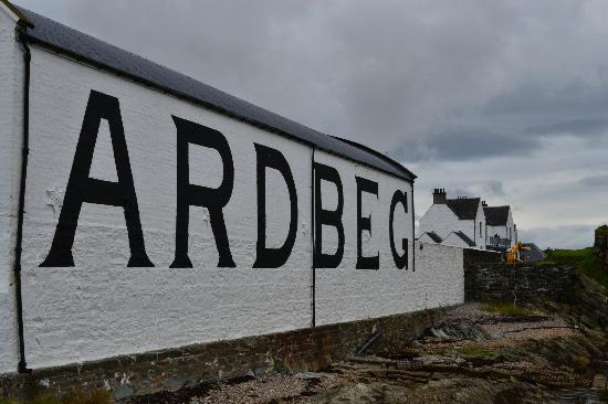 Ardbeg Distillery: finaly there