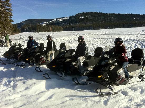 Eagle Ridge Snowmobile Outfitters : Adventure Group Tour