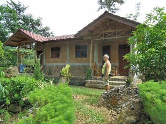 Linnea Resort Tangkahan : een stenen cottage