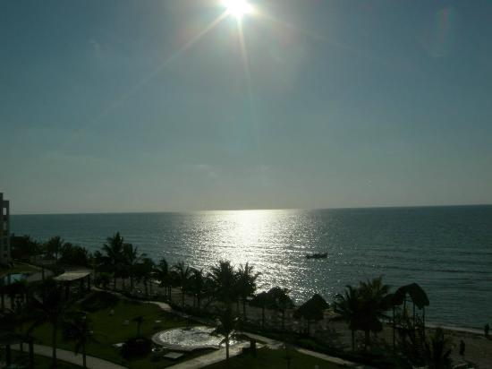 Secrets Silversands Riviera Cancun: Beautiful Sunrise
