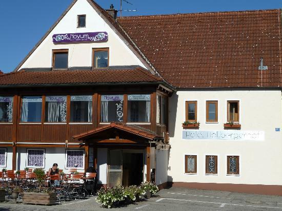 Hotel & Hostel Hallbergerhof: Front view of Hotel