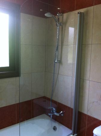 Loutsiana Hotel Apts: Lovely hot shower