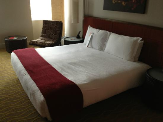 Ink48 - a Kimpton Hotel: Bed
