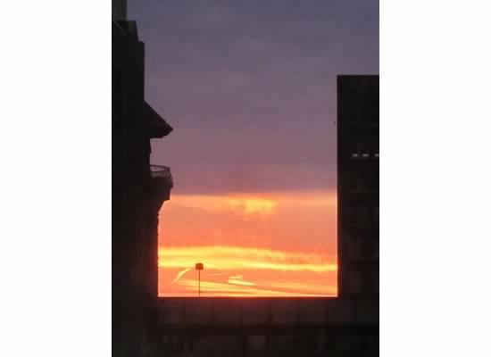Sleep Inn at Court Square: Sun Rise out Hotel window