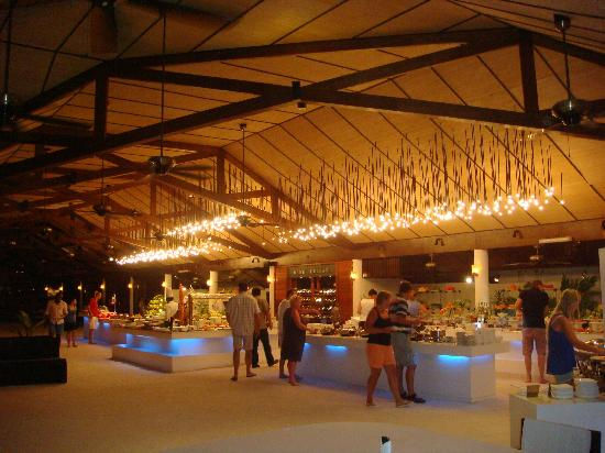Lily Beach Resort & Spa: dinner hall