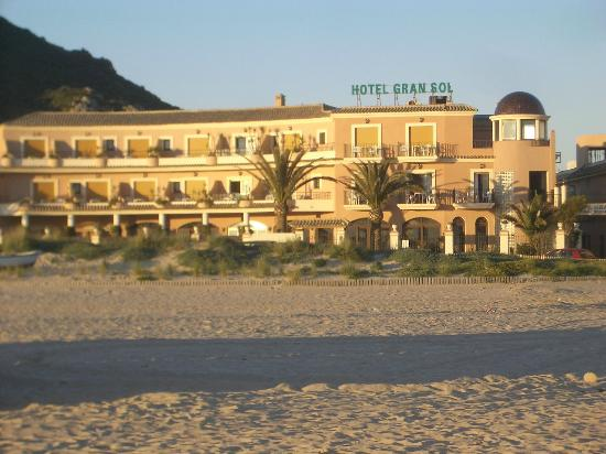 Gran Sol Hotel: View of the Hotel Gran Sol from the beach