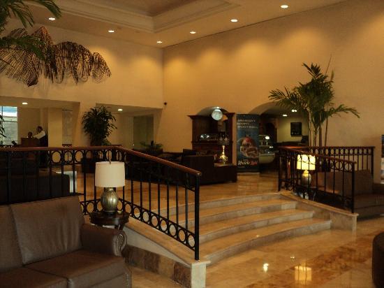 Holiday Inn Monterrey Valle: Lobby.