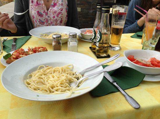The Beach Basket: Pasta with garlic and chillie