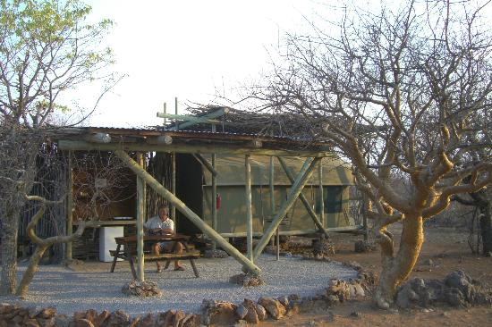 Etosha Village: Tent with outside bathroom and self-catering facilities