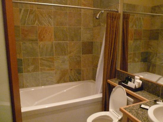 Cox Bay Beach Resort: master bathroom