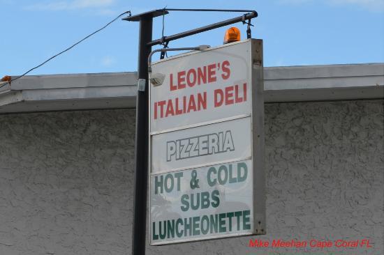 Leone Italian Food Specialty: Sign