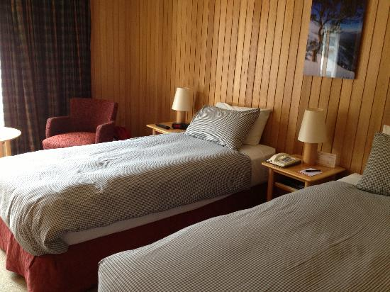 Rydges Thredbo Alpine Hotel: Our twin room - very comfy beds