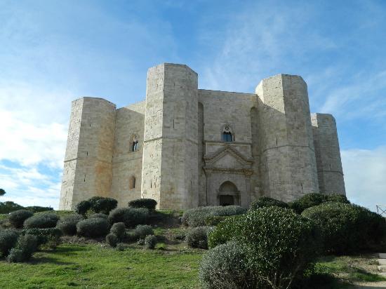 Andria, อิตาลี: Castel del Monte