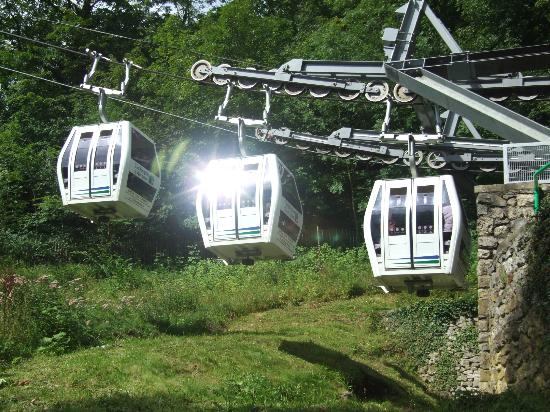 Heights of Abraham: Cable cars at the boarding station near the railway station