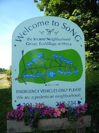 Frogs Way Bed and Breakfast: Welcome to Song Eco Village