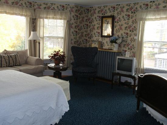 Oxford House Inn: Porch Room Suite