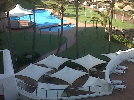 uMhlanga Sands Resort: Can you spot the 2 monkeys in the pool?