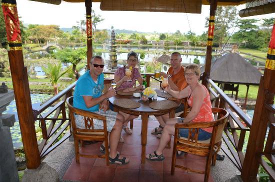 Tirta Ayu Hotel & Restaurant : restaurant
