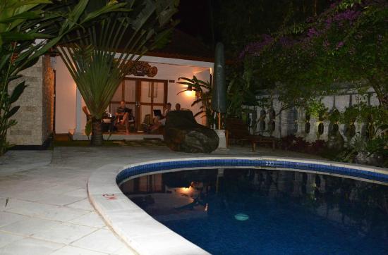 โรงแรมเตียร์ตา อายู: poolvilla