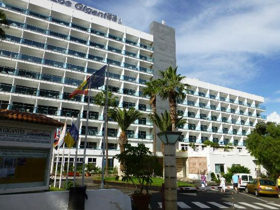 Sensimar Los Gigantes: General view of Hotel front