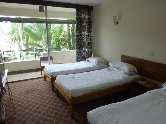 Kivi Milimani Hotel: Room and balcony