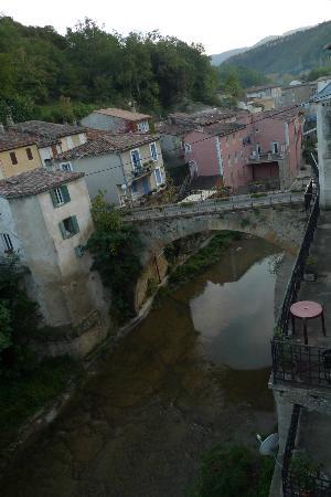 Maison Christina: Vista desde la habitación a la zona del río