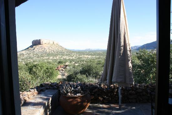 Vingerklip Lodge: View from cottage terrace
