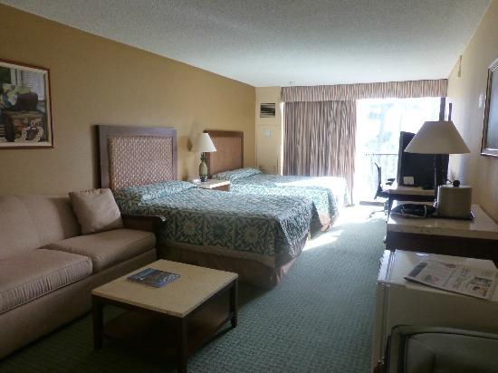 Aston Aloha Beach Hotel: Room