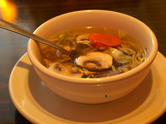 Dara Thai Restaurant: The soup had nearly raw veggies in it.
