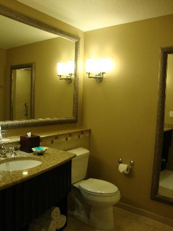 Sandpearl Resort: Bathroom in room