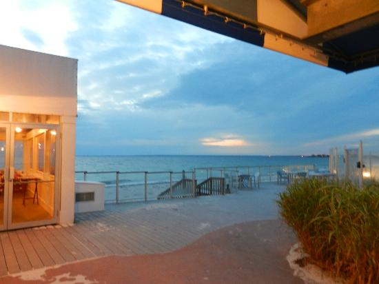Sea Crest Beach Hotel: view on October evening