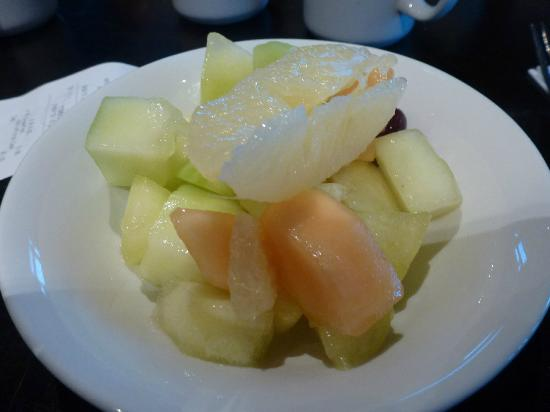 Village Hotel Manchester Ashton: fruit