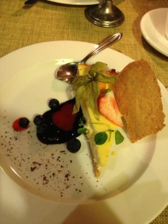Von Krahli Aed: фото не очень хорошего качества, но десерт супер! из козьего сыра, мне из коровьего молока нельз