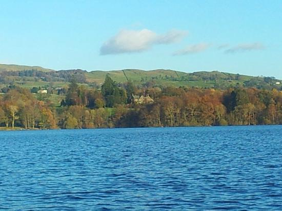 Cragwood Country House Hotel: View of the Cragwood from Windermere cruise