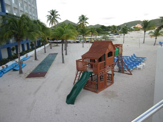 Sonesta Great Bay Beach Resort, Casino & Spa: View of kids play area