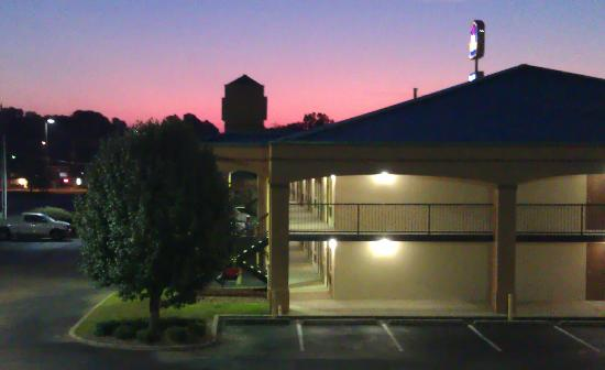 Best Western Executive Suites: Sunrise over the main building