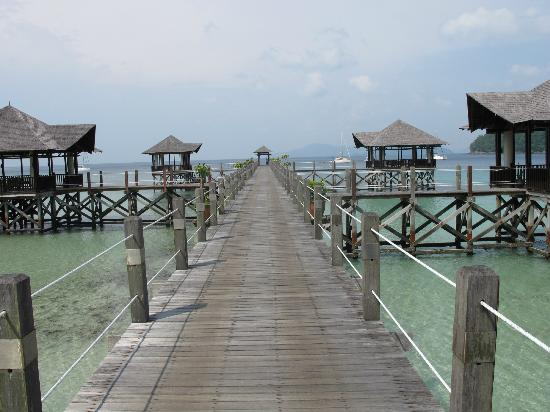 Bunga Raya Island Resort & Spa: guest jetty